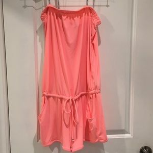 💓strapless neon pink GUESS romper💓